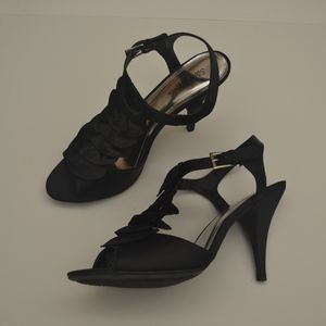 Only Worn Once! Black Ruffle Heels size 10